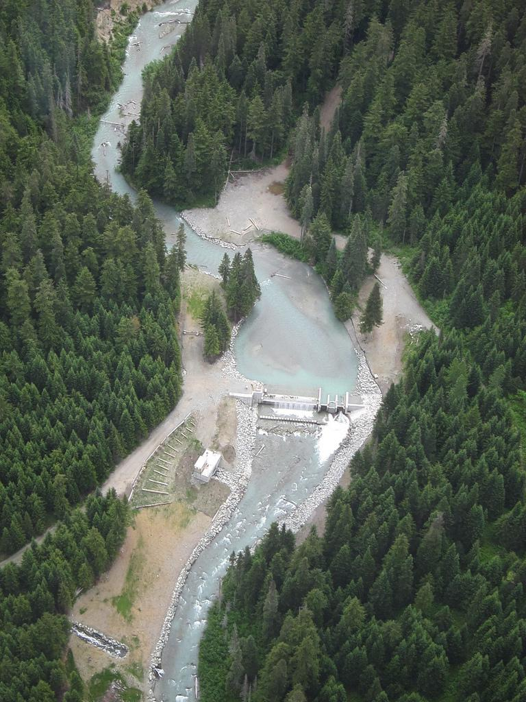 Overhead view of a hydroelectric dam